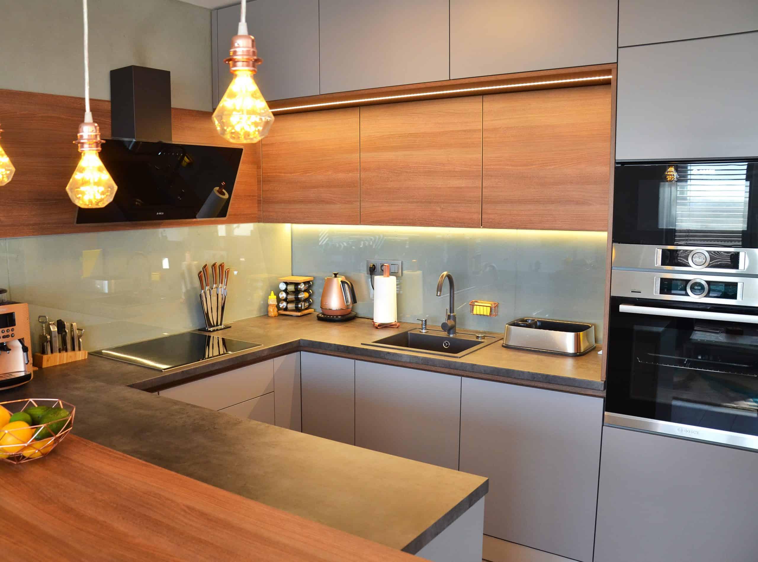 Kuchyne Na Mieru Bratislava Raca Hneda Beton Med Sklo (10)