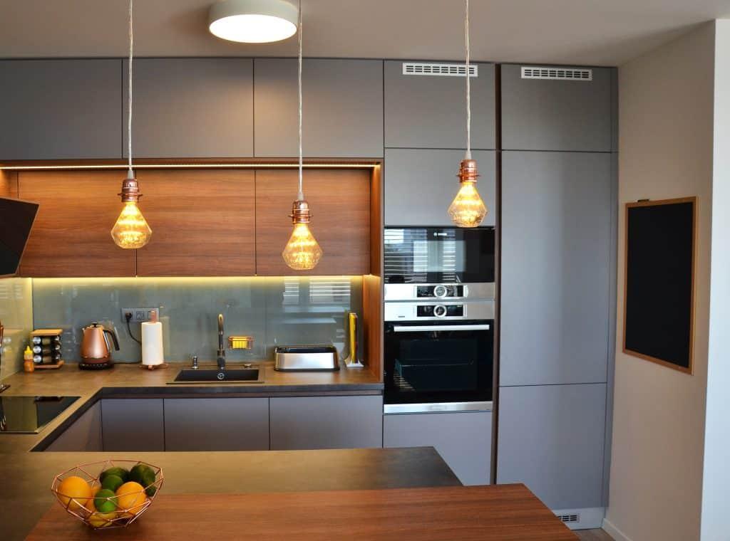 Kuchyne Na Mieru Bratislava Raca Hneda Beton Med Sklo (11)