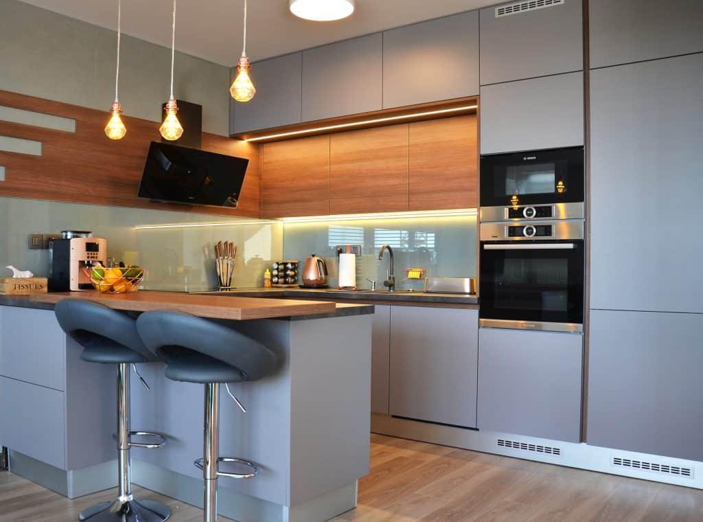 Kuchyne Na Mieru Bratislava Raca Hneda Beton Med Sklo (7)